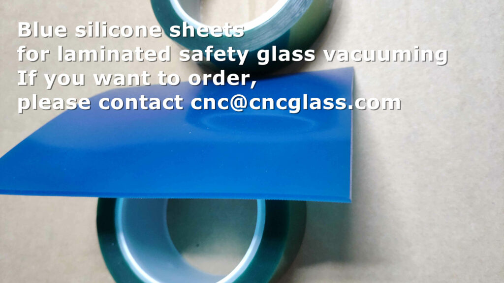Silicone blanket for vacuuming glass lamination
